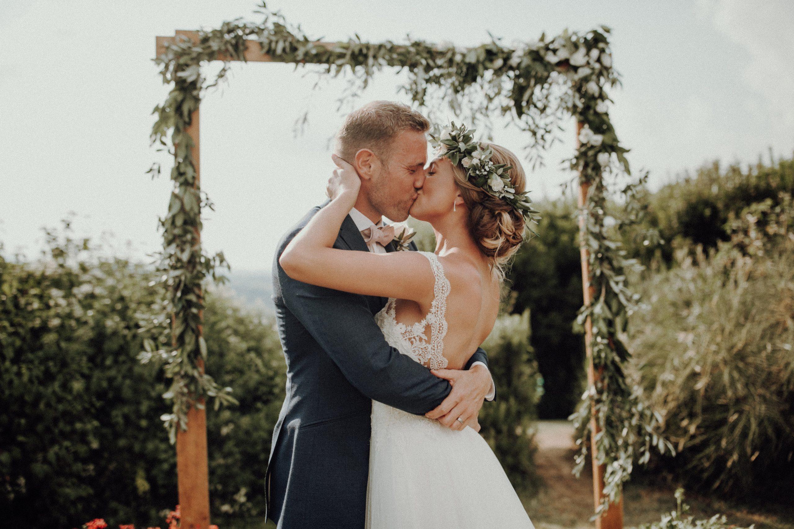 Unser Hochzeitstrailer by Julia & Gil